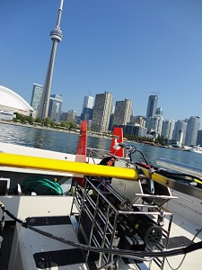 For shallow water operations, the Acrobat wings are reversed with the lift surfaces up.